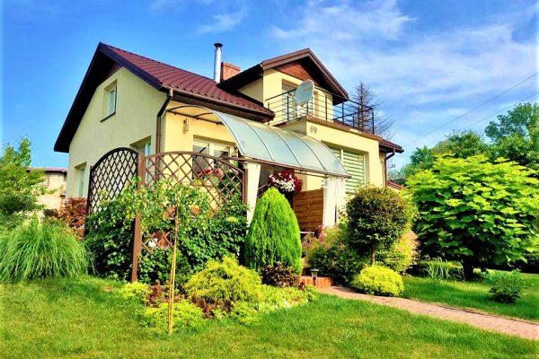 Dom z pięknym ogrodem w Krośnie